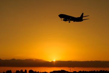 夕空と飛行機 成田空港