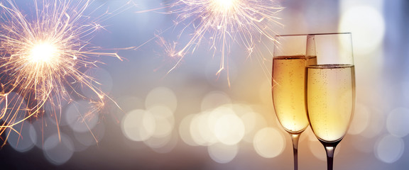 Cheers with champagne for new year