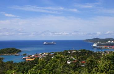 Roatan, Harbour, Cruise Ships