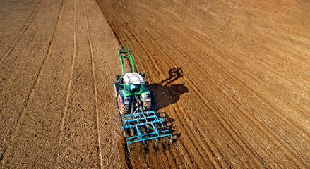 Landmaschine auf dem Feld