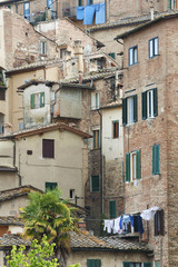 Fototapete - Exterior of residential house in Siena, Tuscany, Italy