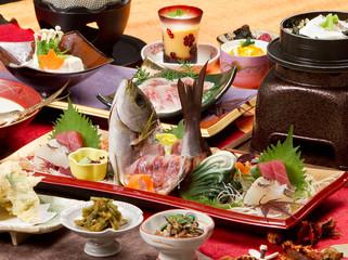 会席 和 料理 刺身 鮪 イサキ 姿 造り 調理 懐石 盛り付け 和食 日本 雅 和紙 新鮮 鮮魚 サンマ寿司 お刺身 寿司 プリン