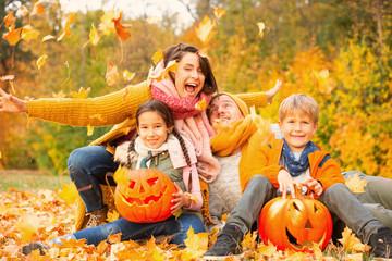 happy halloween familie