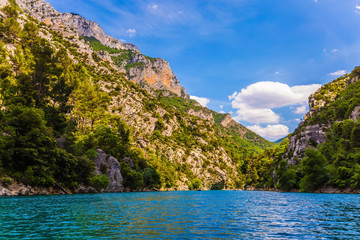 The sheer cliffs of Verdon Canyon