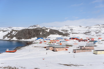 Spoed Foto op Canvas Antarctica Bellingshausen Russian Antarctic research station on King George island
