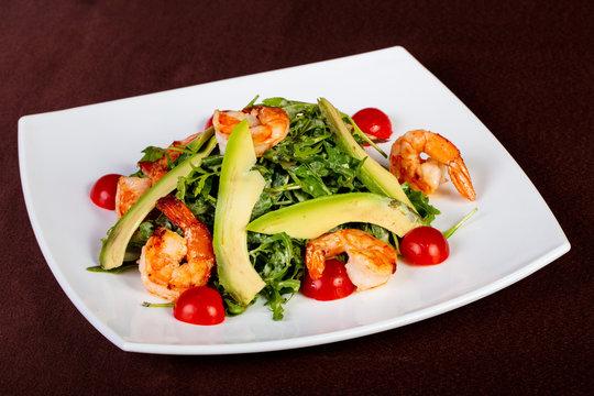 Salad with prawn and avocado