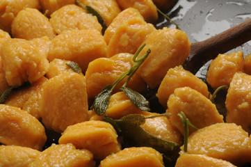 Gnocchi di zucca al burro e salvia Cucina italiana pumpkin ft61112247 bundeva à la citrouille