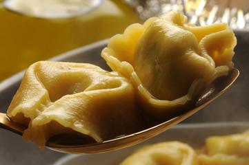 Tortelloni トルテリーニ Тортеллини Tortellini تورتلینی 토르텔리니 Cucina italiana Italian cuisine ft81103592 sounding