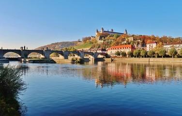Würzburg, Alte Mainbrücke, Festung Marienberg Fototapete