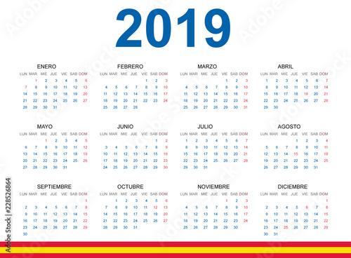 Calendario 2019.Calendario 2019 En Espanol Con Fiestas De Espana Stock