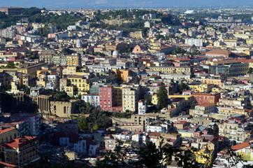 Blick auf Neapels Altstadt