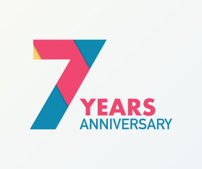 7 years anniversary emblem. Anniversary icon or label. 7 years celebration and congratulation design element.