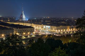 Torino, Gran Madre con Monte dei Cappuccini sullo sfondo