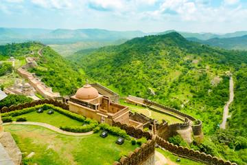 Kumbhalgarh fort walls and hills