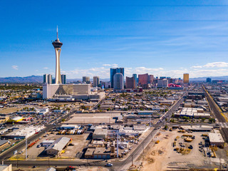 Fototapete - July 10, 2018. Las Vegas, USA. Aerial view of the Stratosphere hotel in Las Vegas by the strip.