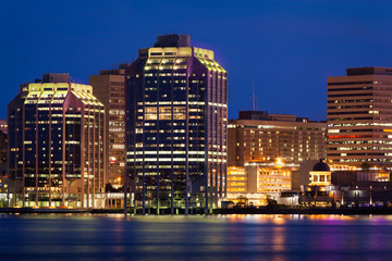 Night view of Purdy's Wharf and surrounding buildings, Halifax, Nuova Scotia, Canada