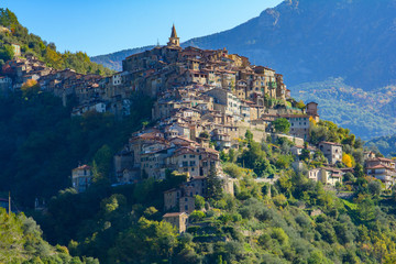 Photo sur Aluminium Ligurie Panorama su Apricale
