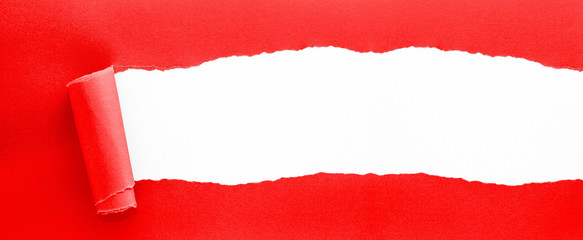 red ripped paper - XXL-Banner-Format
