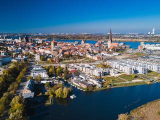 Blick zur Innenstadt Rostock über die Warnow