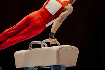 Autocollant pour porte Gymnastique gymnast exercise pommel horse in competition artistic gymnastics