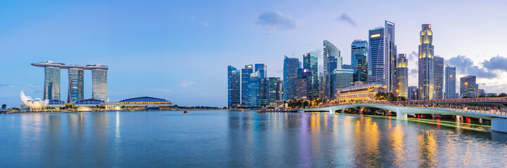 Photo sur Toile Singapoure Singapore financial district skyline at Marina bay on twilight time, Singapore city, South east asia.
