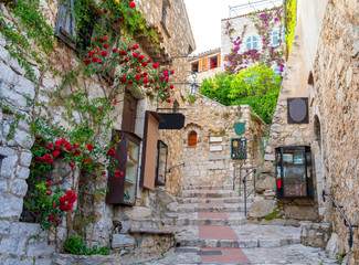 Photo sur Toile Ruelle etroite narrow street in medieval Eze on cote d'azur, french riviera, France