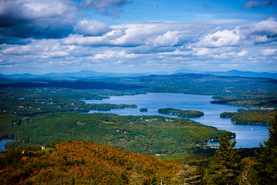 Sunapee lake in new hampshire
