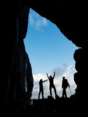 magnificent vertical cave, explorers, travelers and triple team