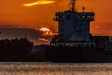 Schiff im Norden, Hamburg