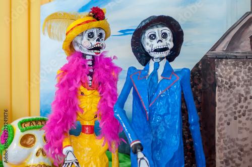 Catrina Mexicana Calavera Dia De Muertos Halloween Elegantes Pareja