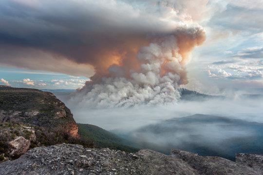 Mount Solitary bush fire Blue Mountains