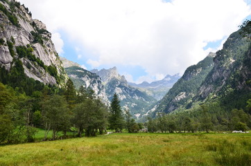 Val di Mello for climbers