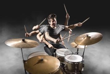 Schlagzeuger mit vielen Armen
