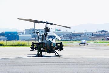 Foto auf Leinwand Hubschrauber 陸上自衛隊のヘリコプター