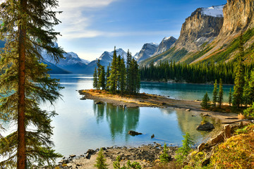 View Beautiful Spirit Island in Maligne Lake, Jasper National Park, Alberta, Canada