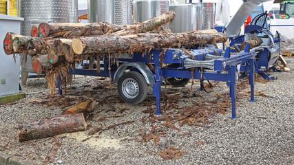 Trailer Saw Mill Logs