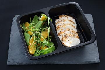 Zbilansowana dieta pudełkowa, Potrawa obiadowa.