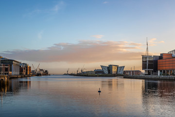 Fotomurales - Titanic Belfast in the morning