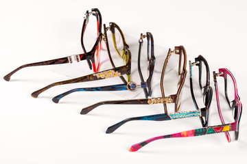 Corrective eye glasses