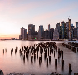 Fototapete - View of the city of New York and the bay. New York.   Long light exposure.