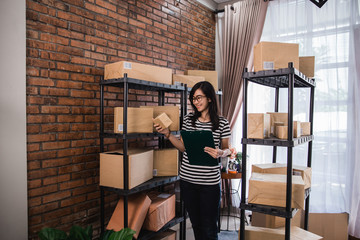 woman selling online product