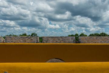 campeche ciudad amurallada,piedra construcciones,piratas,mexico