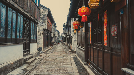 Spoed Foto op Canvas Smal steegje Old narrow streets of Tongli in China