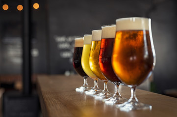 Foto op Aluminium Alcohol Draught beer in glasses