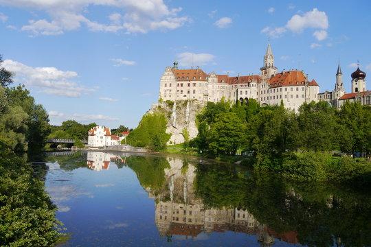 Schloss Sigmaringen Märchenschloss mit Wasserspiegelung