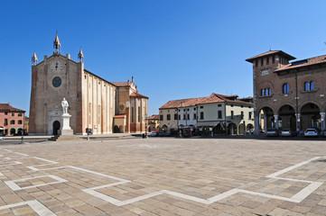 Piazza Comunale e Parrocchia Duomo Di Montagnana - Padova