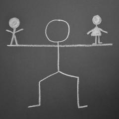 Symbolbild Kreidezeichnung - Ehescheidung bei Gericht
