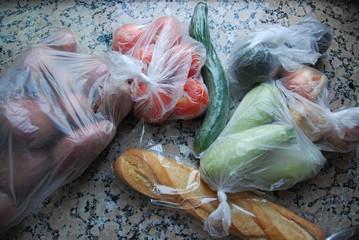 Trop d'emballages plastiques dans ma cuisine