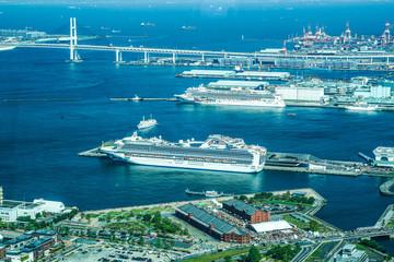 ランドマークタワーからの横浜港(20180428外国籍豪華客船3隻同時初来航)