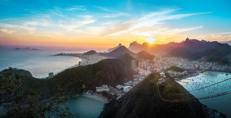 Aerial view of Rio de Janeiro Coast with Copacabana, Praia Vermelha beach, Urca and Corcovado mountain at sunset - Rio de Janeiro, Brazil Fototapete